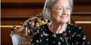 How Female Lawyers can Raise the Bar